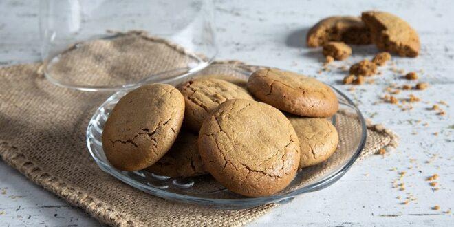 Πεντανόστιμα cookies με φυστικοβούτυρο και ζάχαρη καρύδας