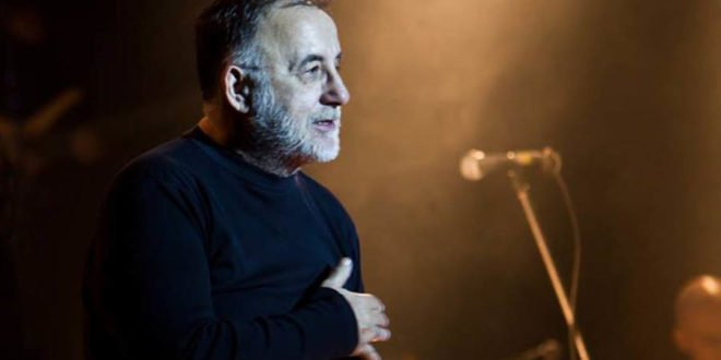 Το πάθος του για τη μουσική και τη ζωή, οι 3 γάμοι, τα 4 παιδιά του και η άνιση μάχη με τον καρκίνο