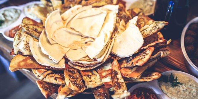 Έχεις όρεξη για τσιπς και σού έχουν ξεμείνει τορτίγιες; Ώρα να φτιάξεις ένα υγιεινό σπιτικό σνακ!