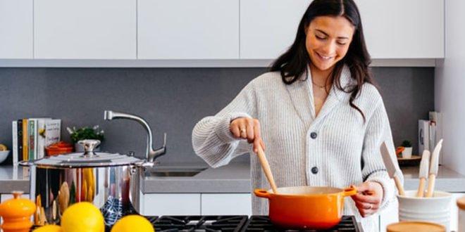 Θες να φας κάτι πολύ απολαυστικό αλλά με λίγες θερμίδες; 4 πανεύκολες συνταγές