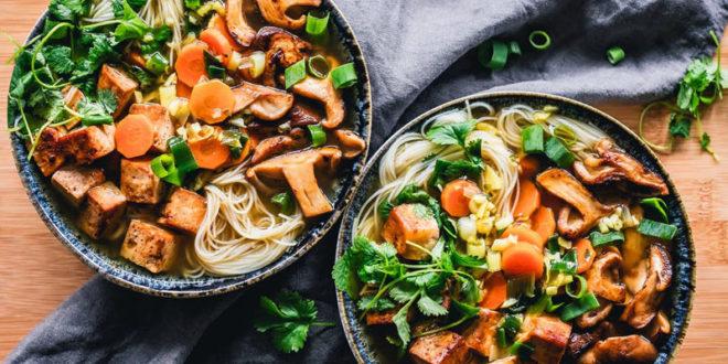 Θες κάτι χορταστικό και με λίγες θερμίδες; Ιδού οι καλύτερες συνταγές με τόφου!