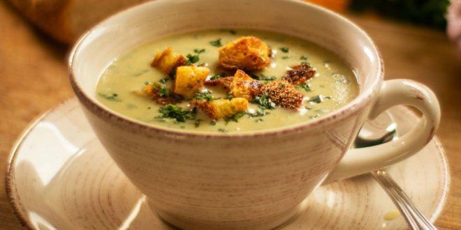 Ανακάλυψε την αυθεντική Ιταλική Garlic soup με κρουτόν - BORO από την ΑΝΝΑ ΔΡΟΥΖΑ