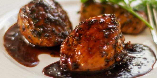 Κοτόπουλο με σάλτσα από βαλσάμικο, μέλι και βότανα (Μόνο 210 θερμίδες) - BORO από την ΑΝΝΑ ΔΡΟΥΖΑ