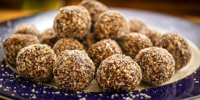 Υγιεινά τρουφάκια σοκολάτας με επικάλυψη τριμμένης καρύδα - BORO από την ΑΝΝΑ ΔΡΟΥΖΑ