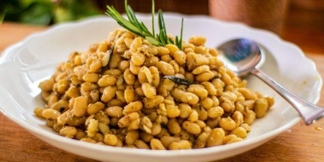 Λευκά φασόλια με σκόρδο και δεντρολίβανο (Νηστίσιμο πιάτο) - BORO από την ΑΝΝΑ ΔΡΟΥΖΑ