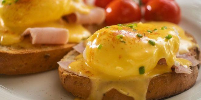 Αυγά Μπένεντικτ: Φτιάξε το απόλυτο brunch στο σπίτι σου - BORO από την ΑΝΝΑ ΔΡΟΥΖΑ