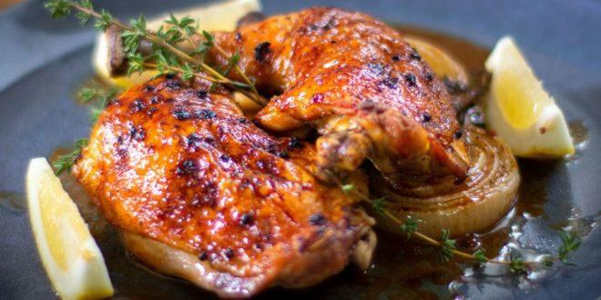 Λεμονάτο κοτόπουλο στον φούρνο με θυμάρι σκόρδο και κρεμμύδι (Μόνο 245 θερμίδες) - BORO από την ΑΝΝΑ ΔΡΟΥΖΑ