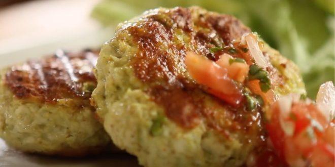 Μπιφτέκια κοτόπουλου με γέμιση αβοκάντο (Μόνο σε 10 λεπτά) - BORO από την ΑΝΝΑ ΔΡΟΥΖΑ