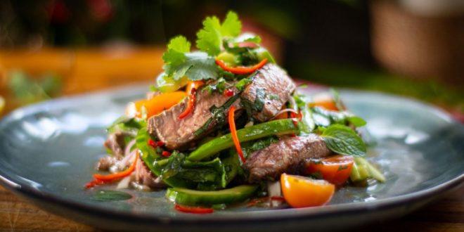 Ταϊλανδέζικη σαλάτα με μοσχάρι. Ίσως η πιο δροσερή σαλάτα για φέτος το καλοκαίρι - BORO από την ΑΝΝΑ ΔΡΟΥΖΑ
