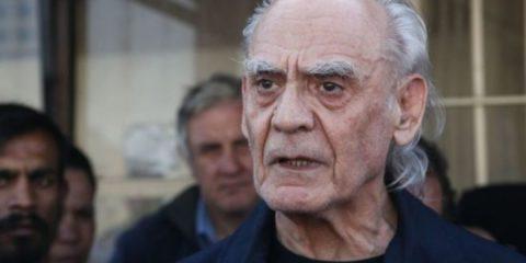 Έφυγε χθες από την ζωή ο πρώην υπουργός και ιστορικό στέλεχος του ΠΑΣΟΚ, Άκης Τσοχατζόπουλος: Η γνωριμία του με τη Βίκυ Σταμάτη, ο πολυτελής γάμος στο Παρίσι, η παρ΄ολίγον πρωθυπουργία και τα σκάνδαλα Siemens και υποβρυχίων που τον έφεραν στην φυλακή - BORO από την ΑΝΝΑ ΔΡΟΥΖΑ